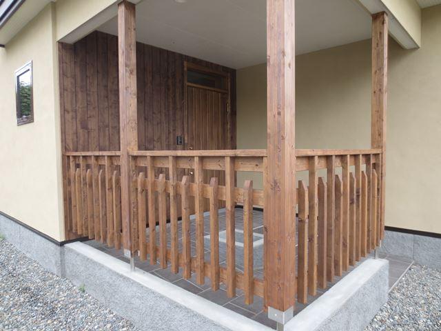 2x6付加断熱でGW260㍉相当、高気密高断熱で建物を武装、そして無垢材を多用した素敵なお家